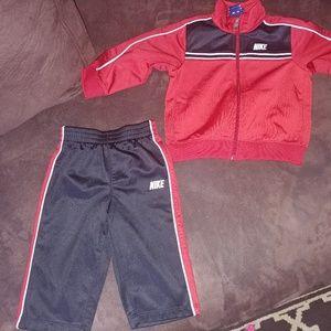 NWOT Baby Boys Nike 12 monthe Sweatsuit set
